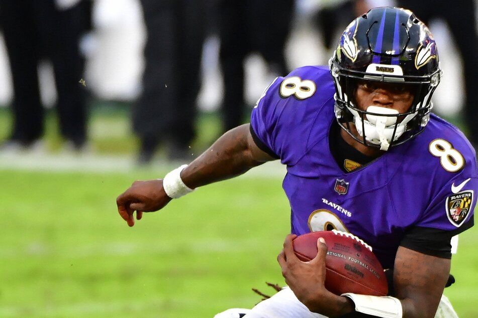 NFL: Ravens swoop to seal late win over Chiefs in battle of former MVPs
