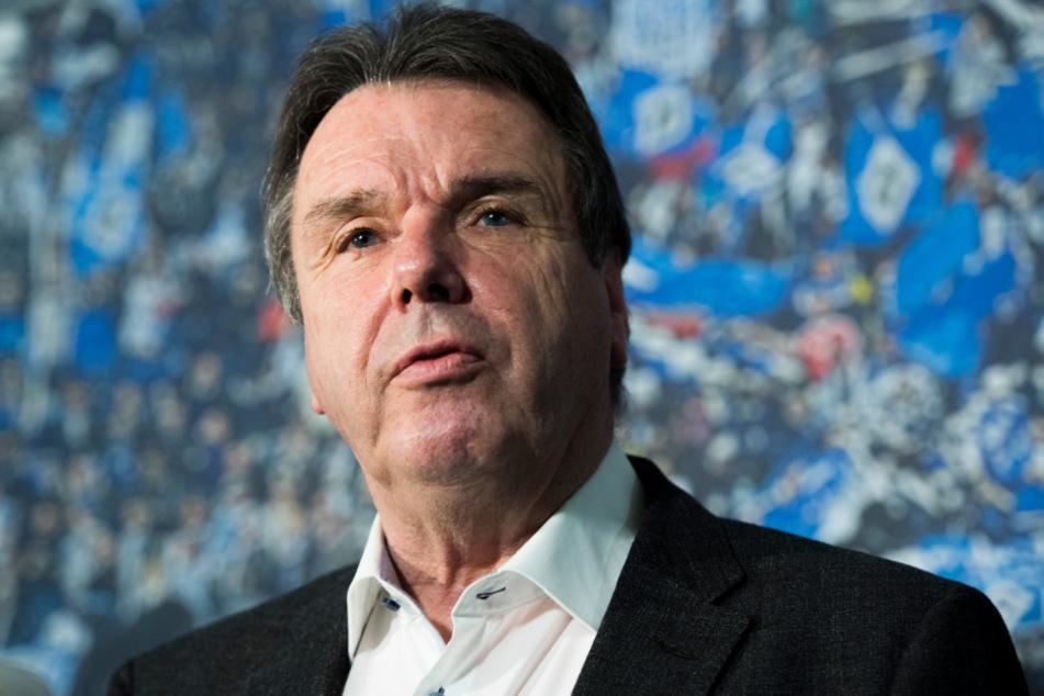 Heribert Bruchhagen (Bild, 71) setzt auf Trainer Dieter Hecking.