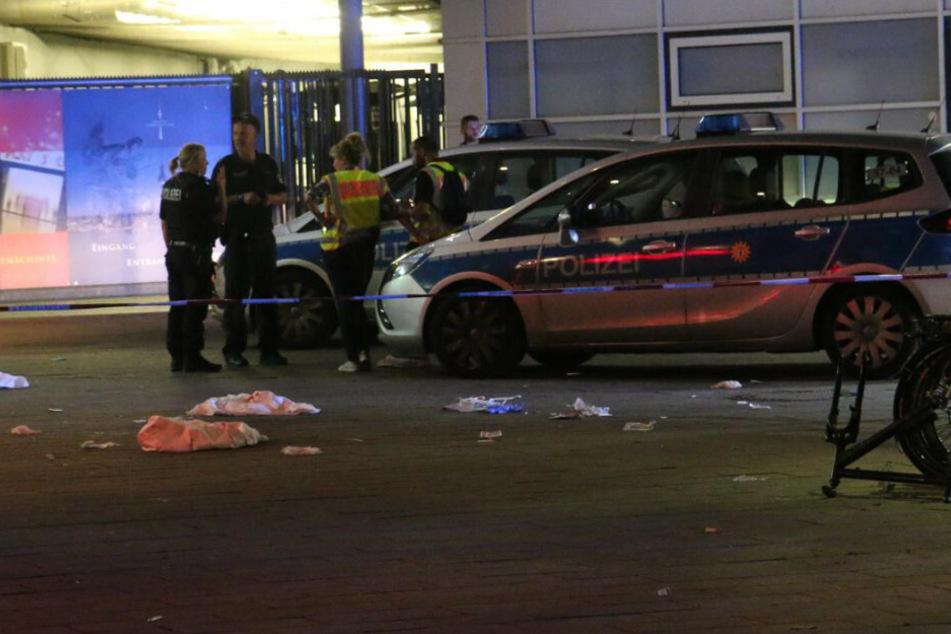 Bluttat am Alexanderplatz in Berlin: Mann unterm Fernsehturm abgestochen
