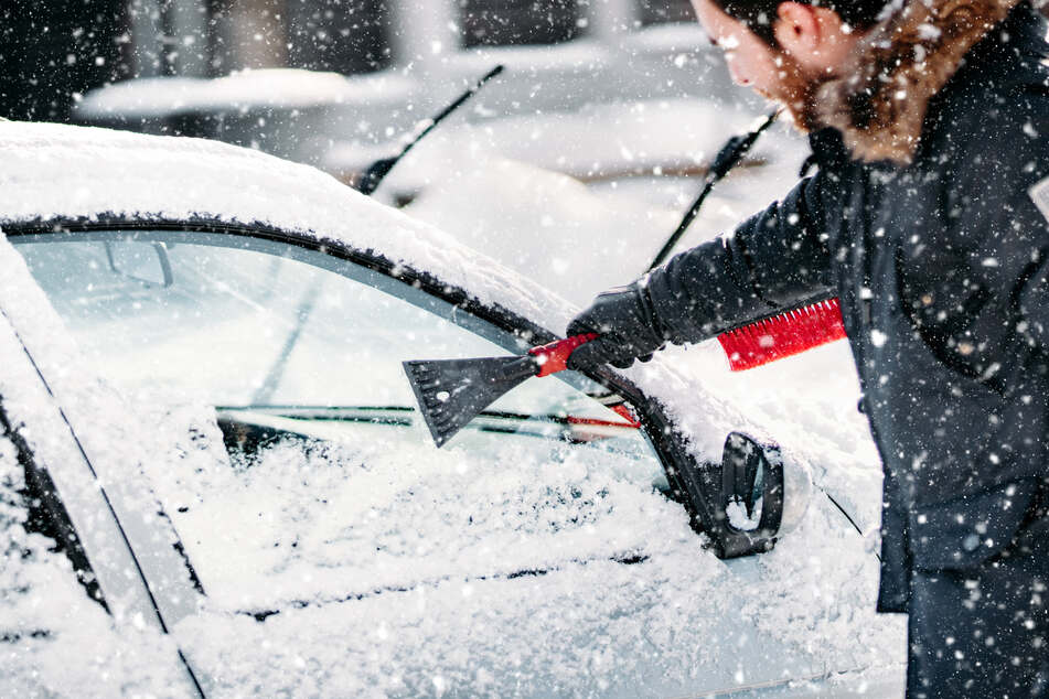 This 40-year-old allegedly used an ice scraper to hit the man following him (stock image).