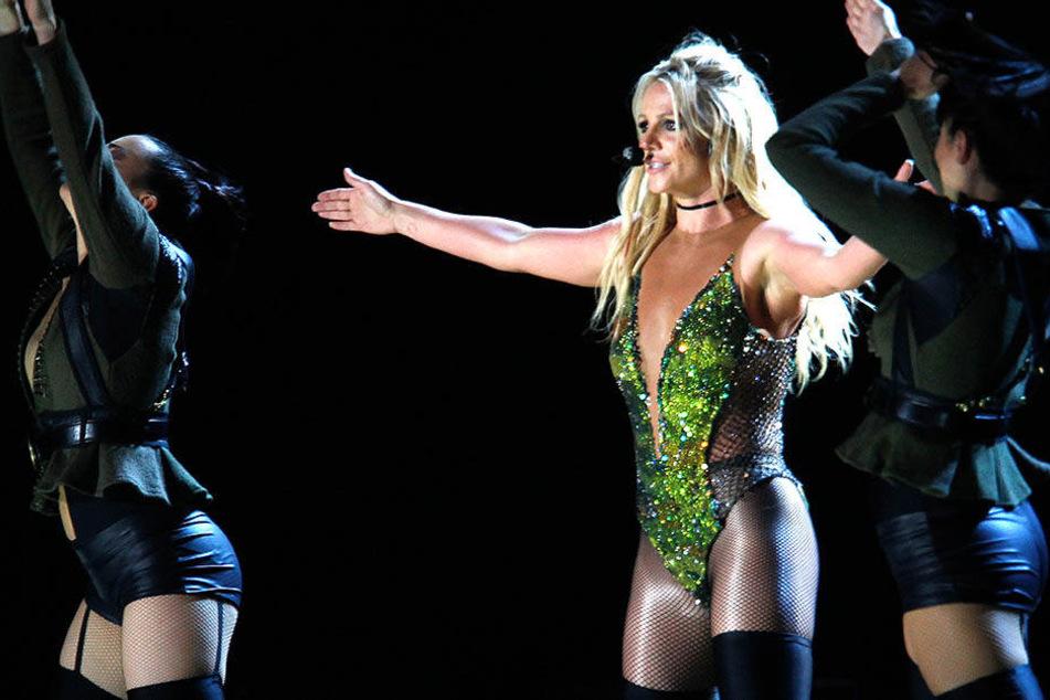 Kein Körperkontakt ist die Maxime, wenn Britney Spears auftritt.