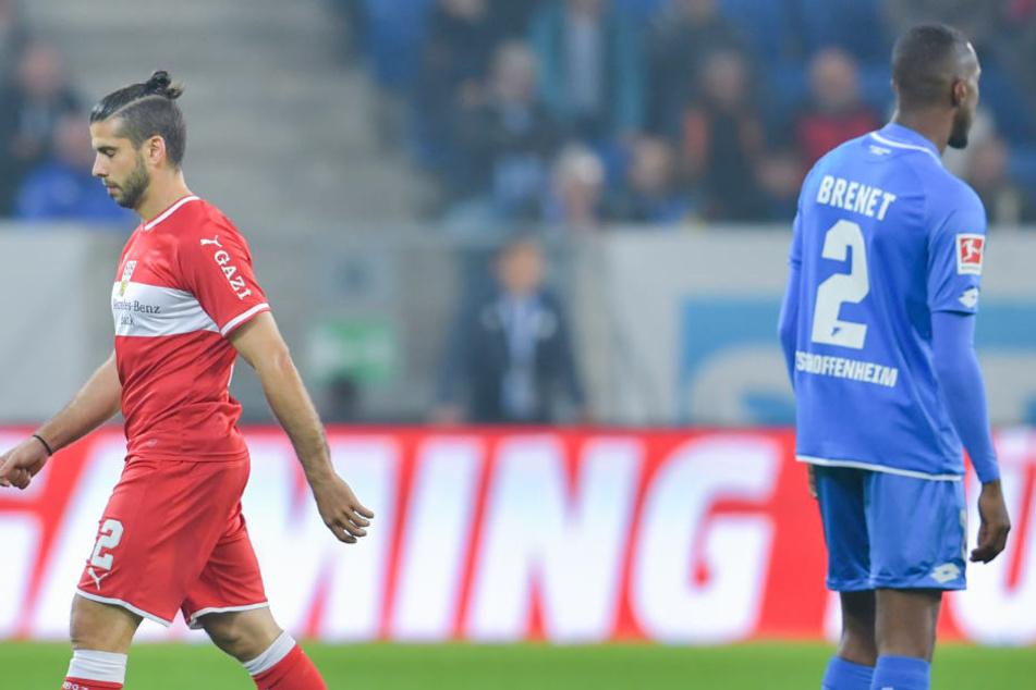 Emiliano Insua flog wegen gefährlichen Spiels in der 7. Minute vom Platz.
