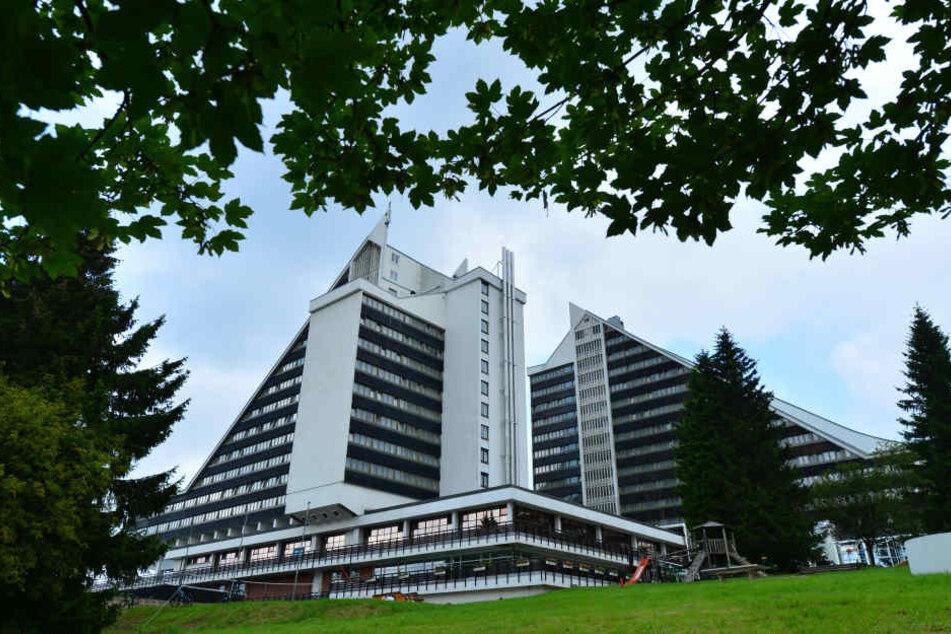 Das Hotel, mit seinem markanten Dach, steht seit den 60er-Jahren in Oberhof.