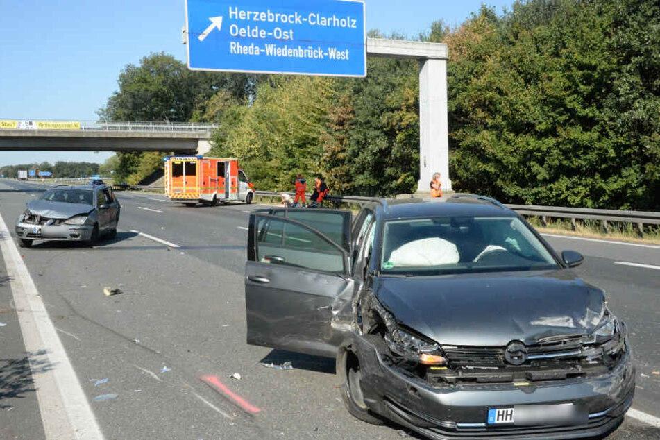 Beide Autos waren nach dem Unfall nicht mehr fahrbereit.