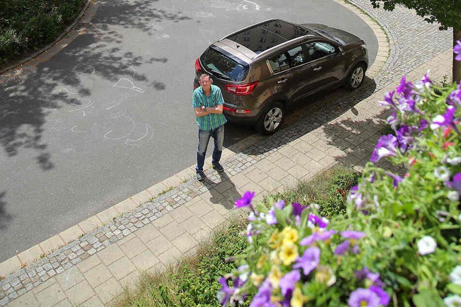 Hier ließ Vonovia-Mieter Thomas Herzog (63) seinen Wagen kurz stehen, weil er aufs Klo musste. Kurz darauf wurde das Auto abgeschleppt.