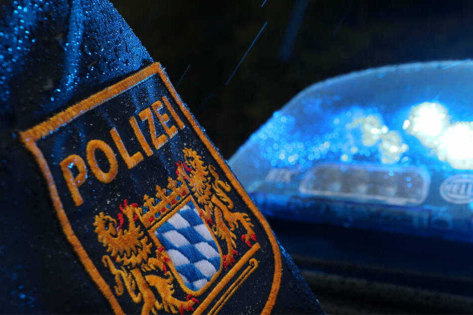 Eine Polizeistreife nahm den 29-Jährigen fest. (Symbolbild)