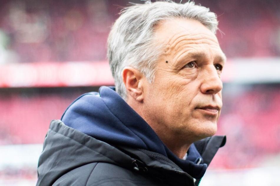 Uwe Neuhaus übernahm das Ruder beim DSC, nach dem der Verein acht Spiele in Folge verloren hatte.