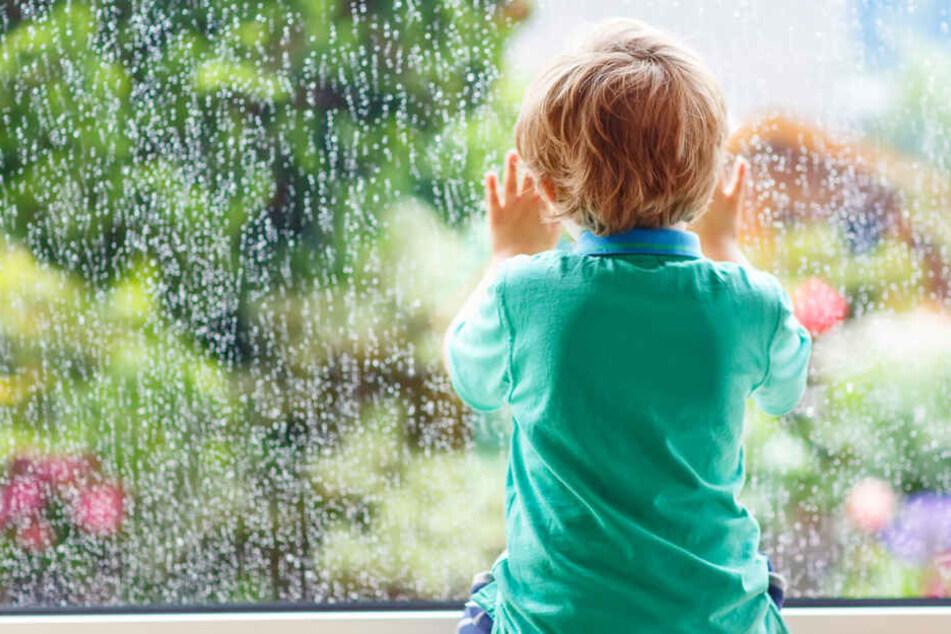 Der Junge öffnete das Fenster und verschwand. (Symbolbild)