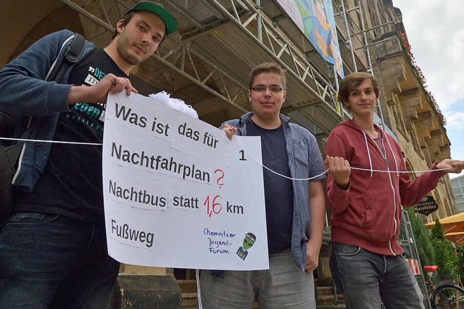 Jugendliche setzten sich für eine Nachtbus-Haltestelle am Chemnitzer AJZ ein.