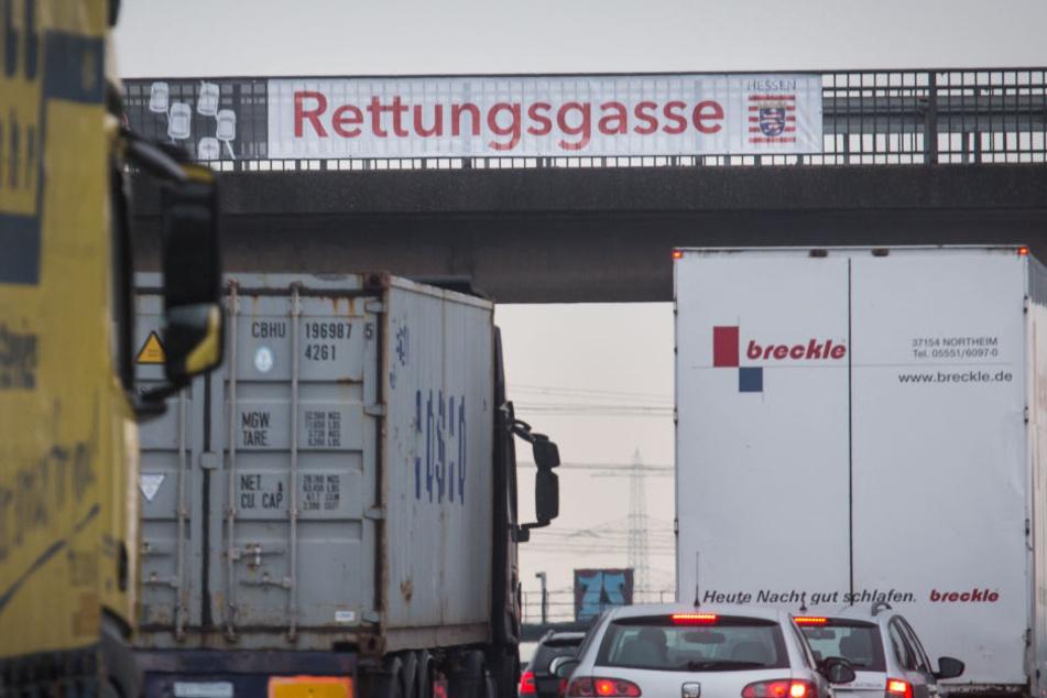 Auf der A5 herrscht am Mittwochabend erneut Verkehrschaos.