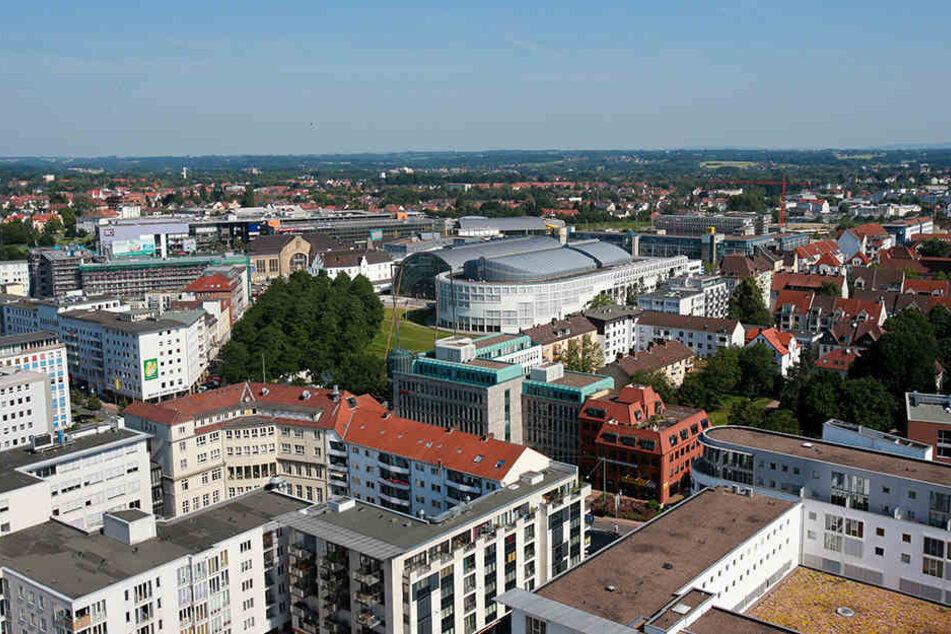 Einer der Diebe konnte auf der Herforder Straße Richtung Willy-Brandt-Platz flüchten.