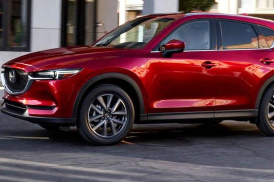 Die Polizei konnte den roten Mazda CX5 nach Zeugenhinweisen finden. (Symbolbild)