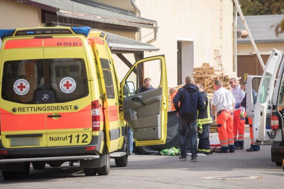 Mann stirbt bei Arbeitsunfall in Kunststofffabrik