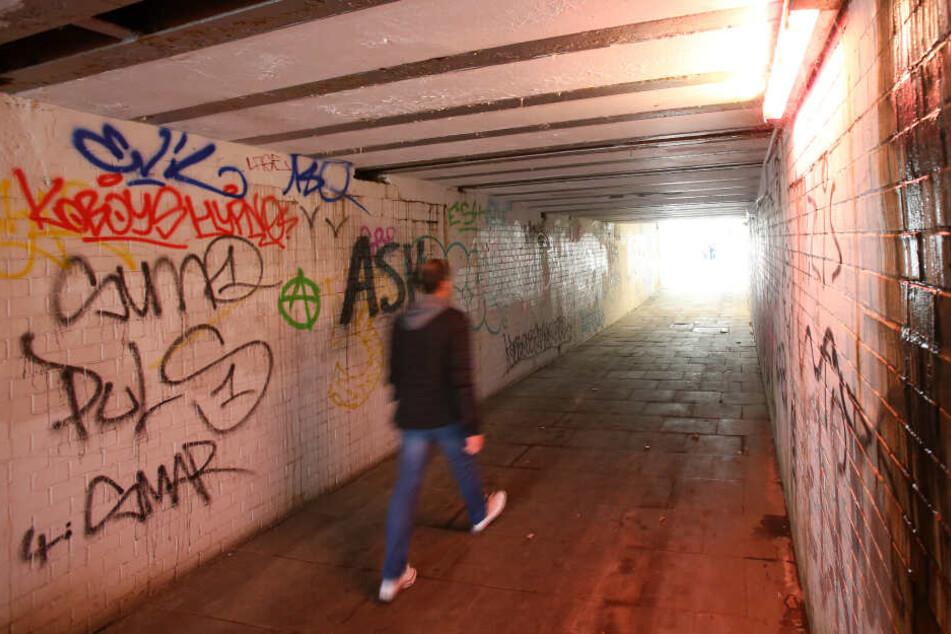 Angriff in U-Bahn-Tunnel: Schlug vorbestrafter Sexualtäter erneut zu?