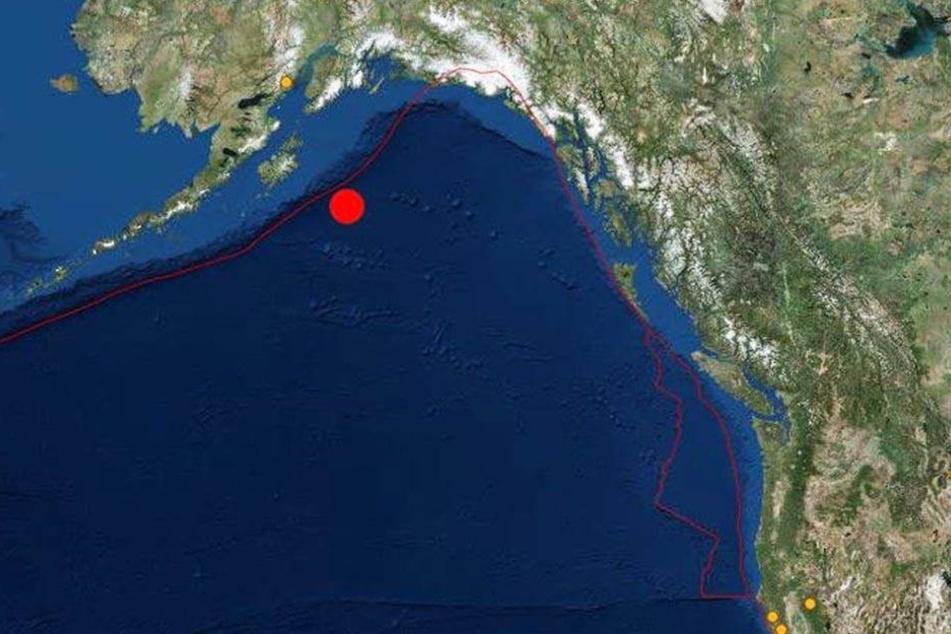 Das US-Tsunami-Warnzentrum forderte zu erhöhter Wachsamkeit an der gesamten US-Westküste auf.