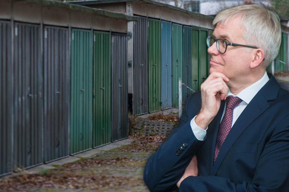Wohnen statt Parken: Rathaus will sich über 30 Garagenkomplexe krallen