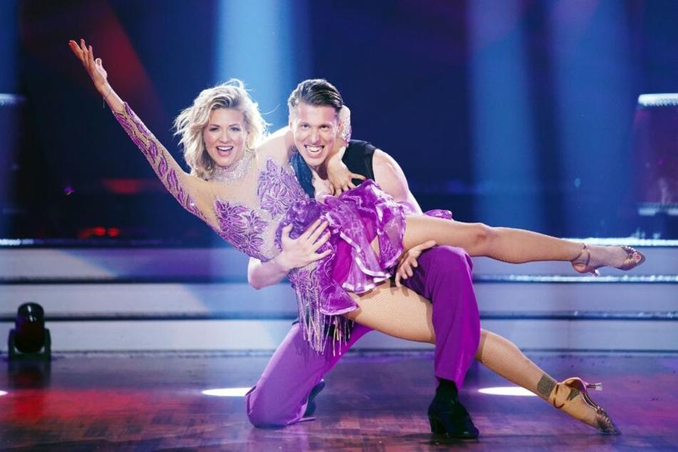 Ella Endlich (34) und Valentin Lusin (32) haben eine hervorragende Samba getanzt.