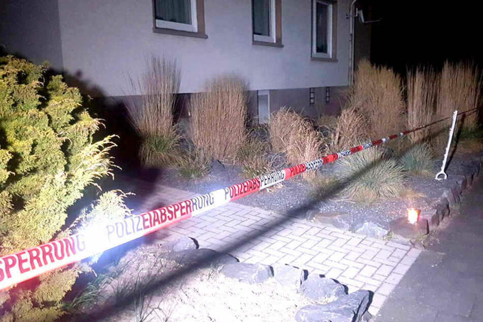 Leiche in der Garage gefunden: Sohn soll Mutter getötet und zerstückelt haben