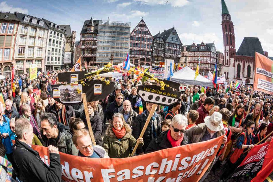 2018 nahmen laut Polizei zirka 1500 am Frankfurter Ostermarsch teil.