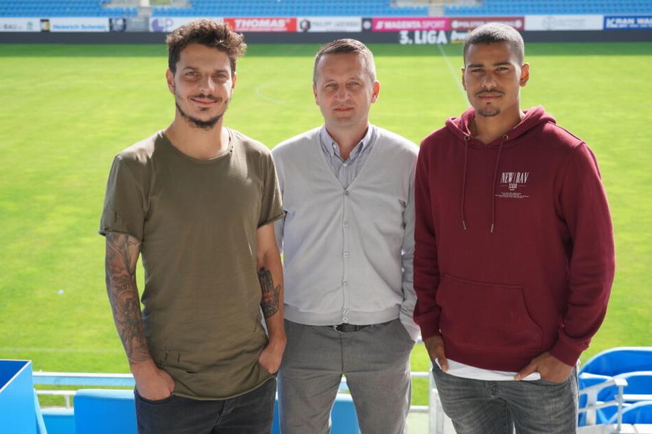 Philipp Hosiner (v.l.), Sportdirektor Thomas Sobotzik und Noah Awuku.