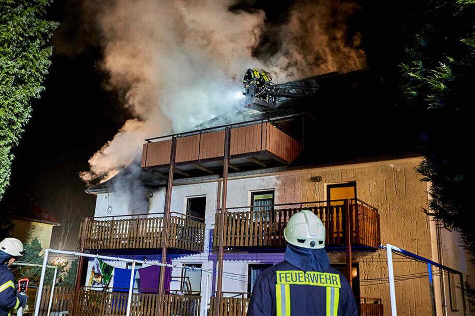 Das Gebäude wurde rechtzeitig evakuiert und ist derzeit unbewohnbar.