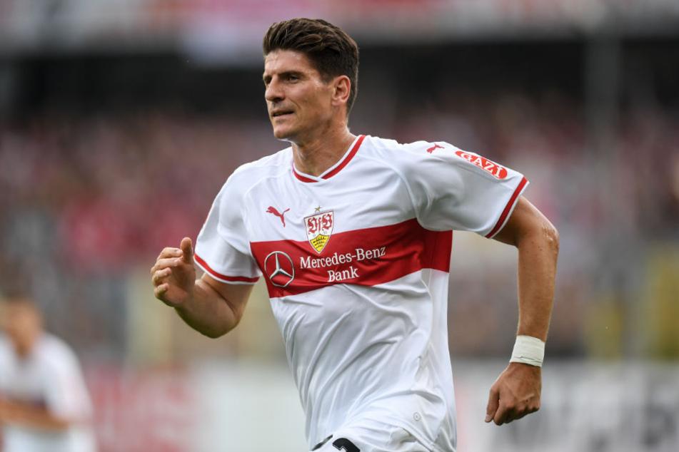 VfB-Stürmer Gomez sagt, dass er von sich überzeugt sei und stellt sich gegen eine Interpretation.