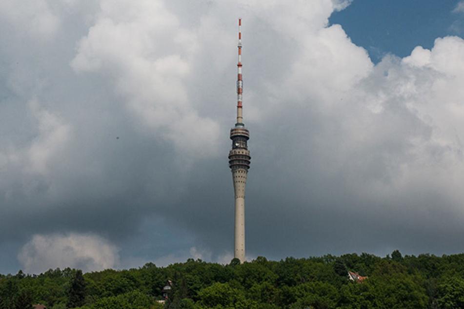 Der Dresdner Fernsehturm ist eines der Wahrzeichen der Stadt.
