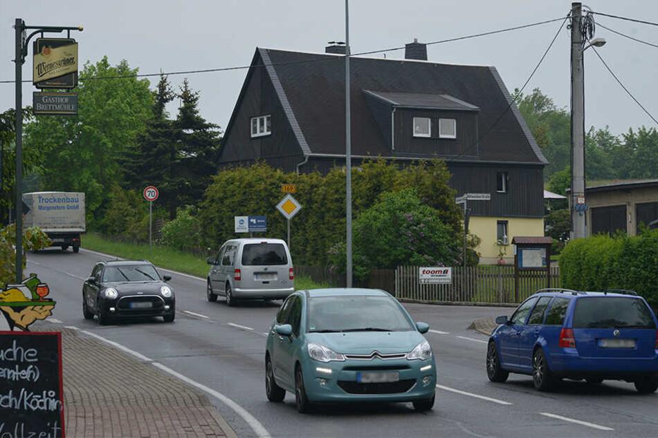 Die Verkehrsmengen auf der Bundesstraße nehmen zu - und an Tempo 50 halten sich auch längst nicht alle.