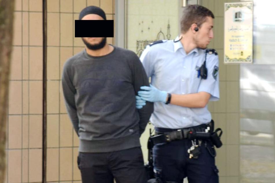 Ein Mann wurde bei dem Einsatz vorläufig festgenommen.
