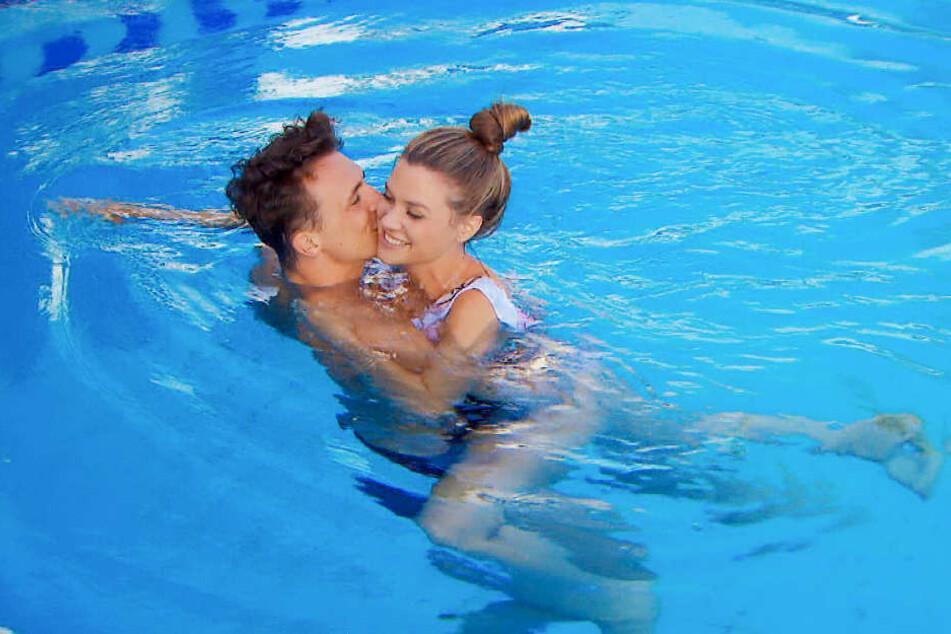 Maxim und Nadine turteln im Pool - aber ist das genug?