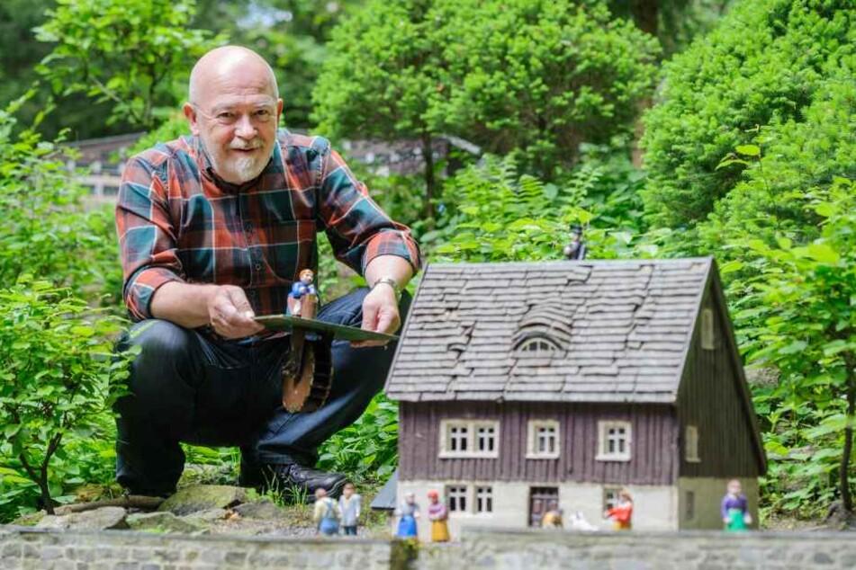 """Horst Drichelt (67) freut sich auf die kommende Saison in seinem """"Klein  Erzgebirge""""."""