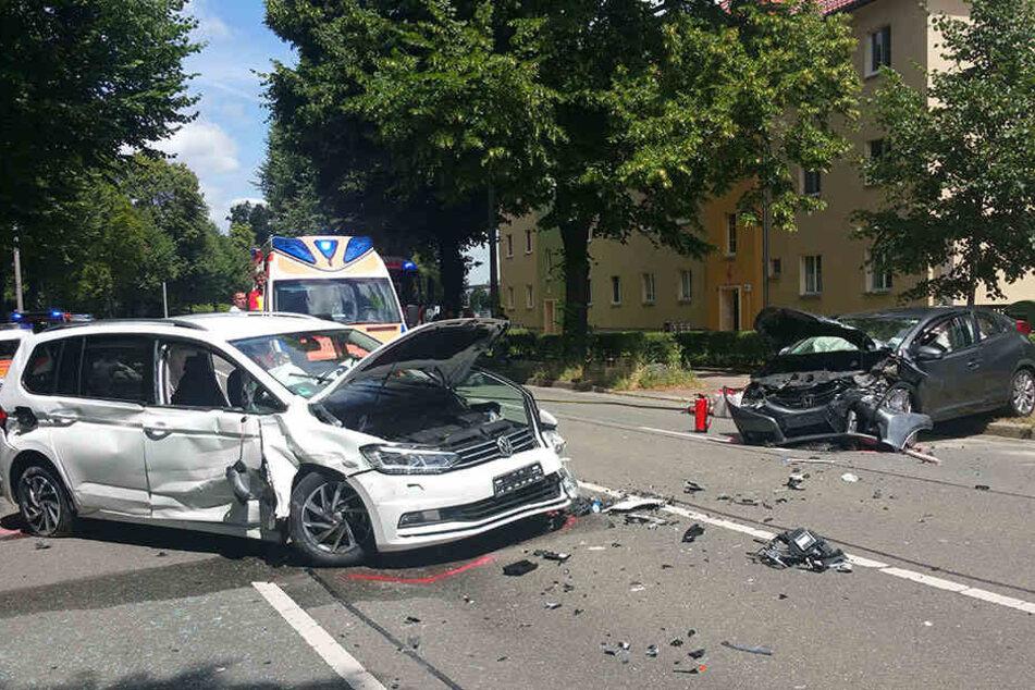Frontalcrash: Zwei Schwerverletzte bei Unfall in Gera