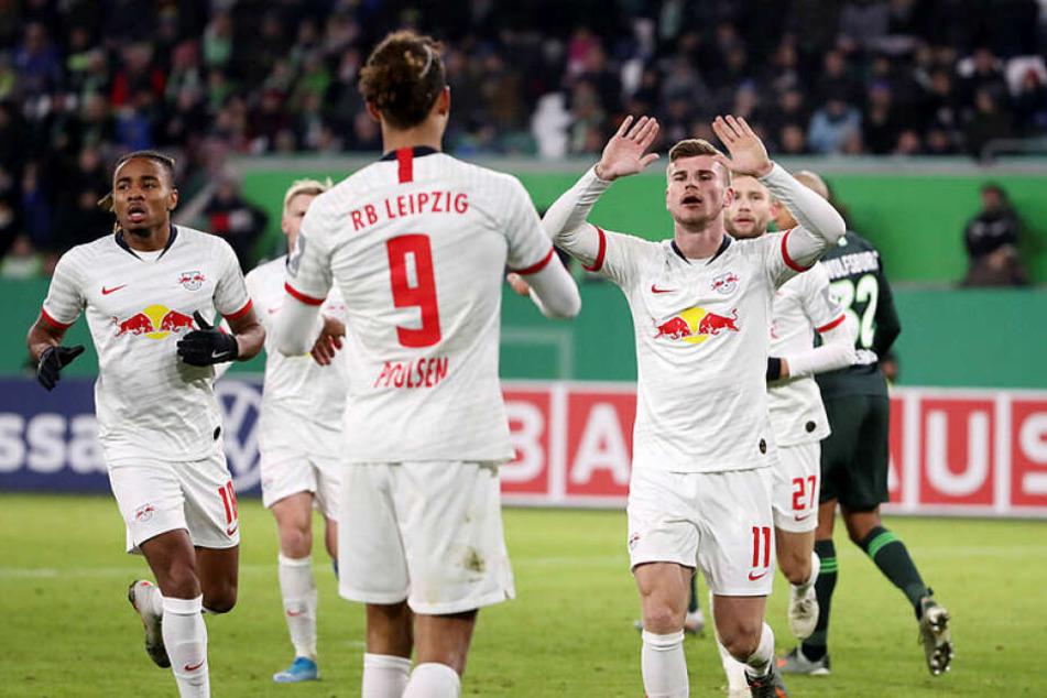 Matchwinner Timo Werner (r.) erzielte einen Doppelpack und bereitete zwei weitere Treffer vor.