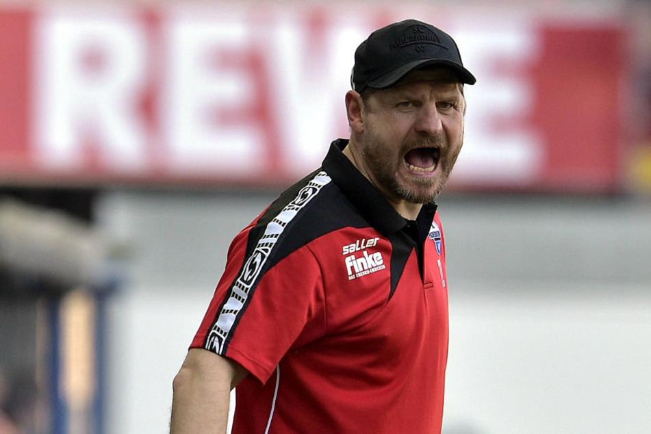 An Emotionen am Spielfeldrand mangelt es Coach Steffen Baumgart nie.
