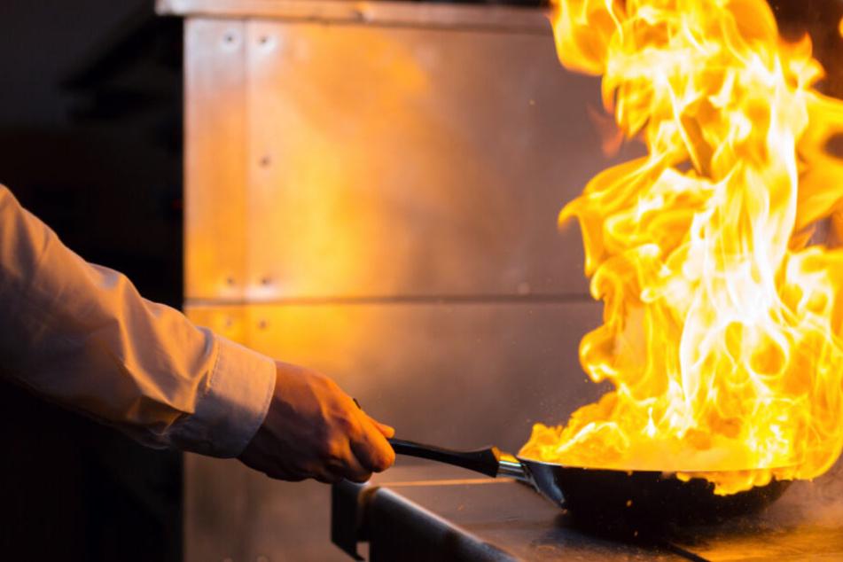 Was tun, wenn ein Topf brennt? Geschwisterpaar in Sendling macht's vor