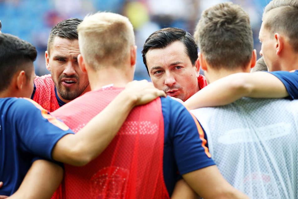 Besonders das zweite Gegentor ärgerte FCE-Coach Daniel Meyer (M.), was er seiner Truppe auch mitteilte.