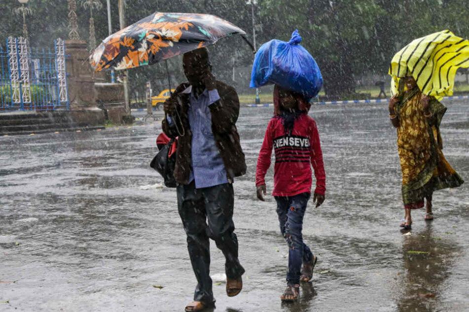 Taifun fordert Todesopfer auf den Philippinen: Weitere Länder bereiten sich auf Zyklon vor