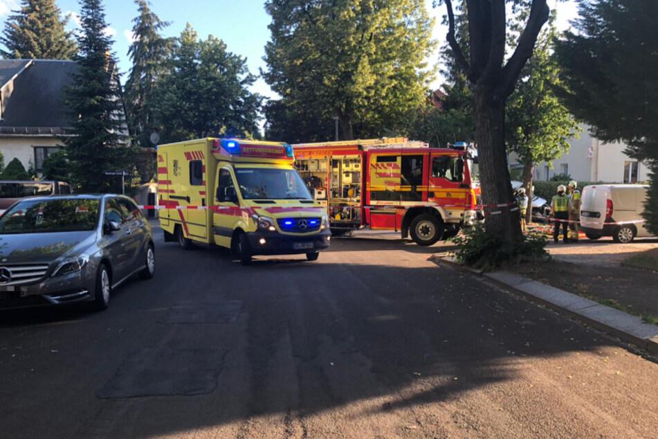 Feuerwehr und Rettungskräfte sind vor Ort.