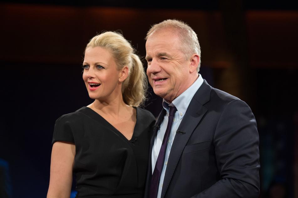 """Barbara Schöneberger (47) und Hubertus Meyer-Burckhardt (64) moderieren die """"NDR Talk Show"""" in Hamburg."""