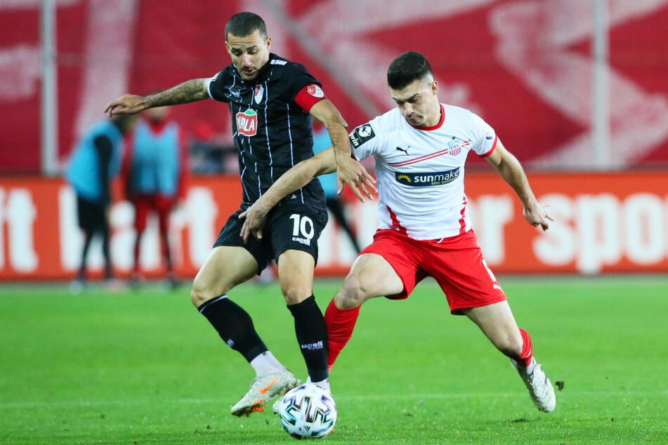 Sercan Sararer (31, l.) glänzte in der abgelaufenen Saison bei Türkgücü München vor allem unter dem aktuellen Dynamo-Coach Alexander Schmidt (52).