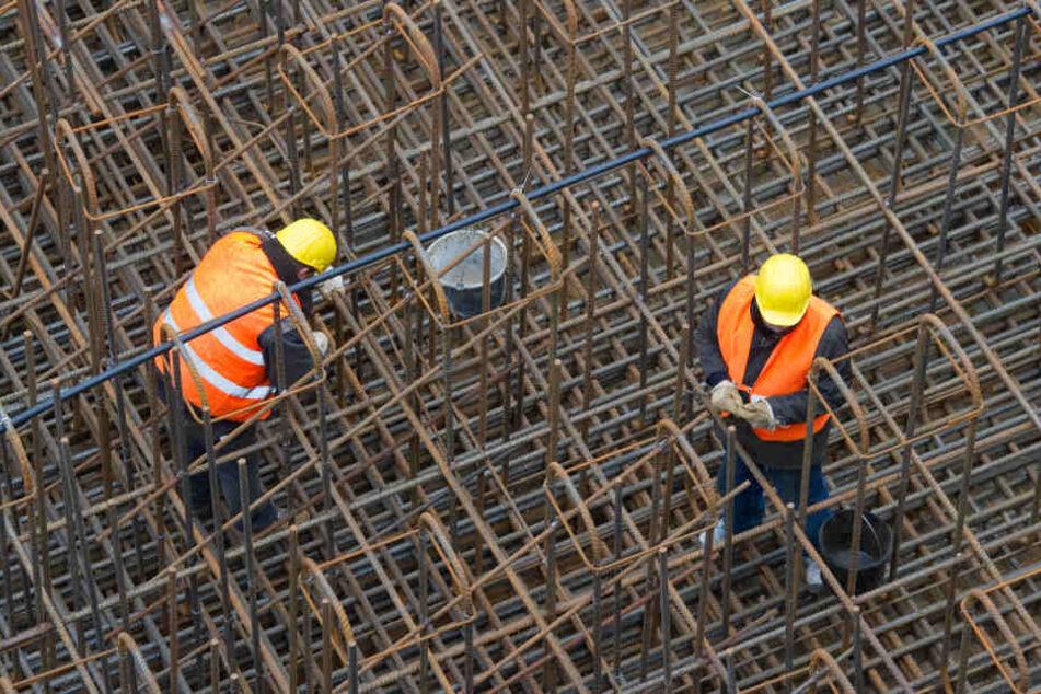 Messerstiche in den Oberkörper! Streit unter Bauarbeitern eskaliert