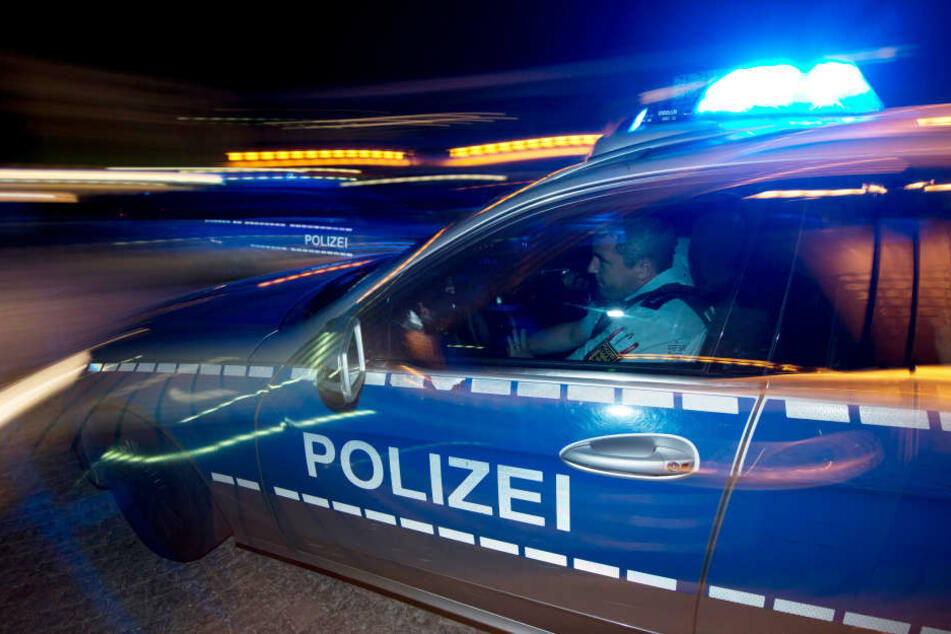 Laut Polizei wirkte ein Teil des ramponierten Hauses abrissreif.
