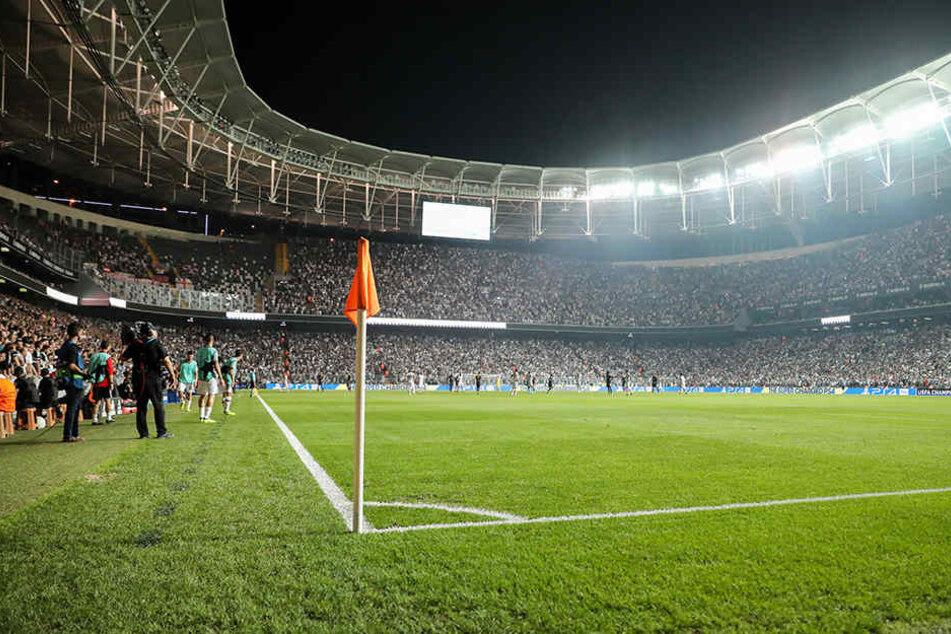 Flutlichtausfall RB Leipzig drohte Spielabbruch in Istanbul