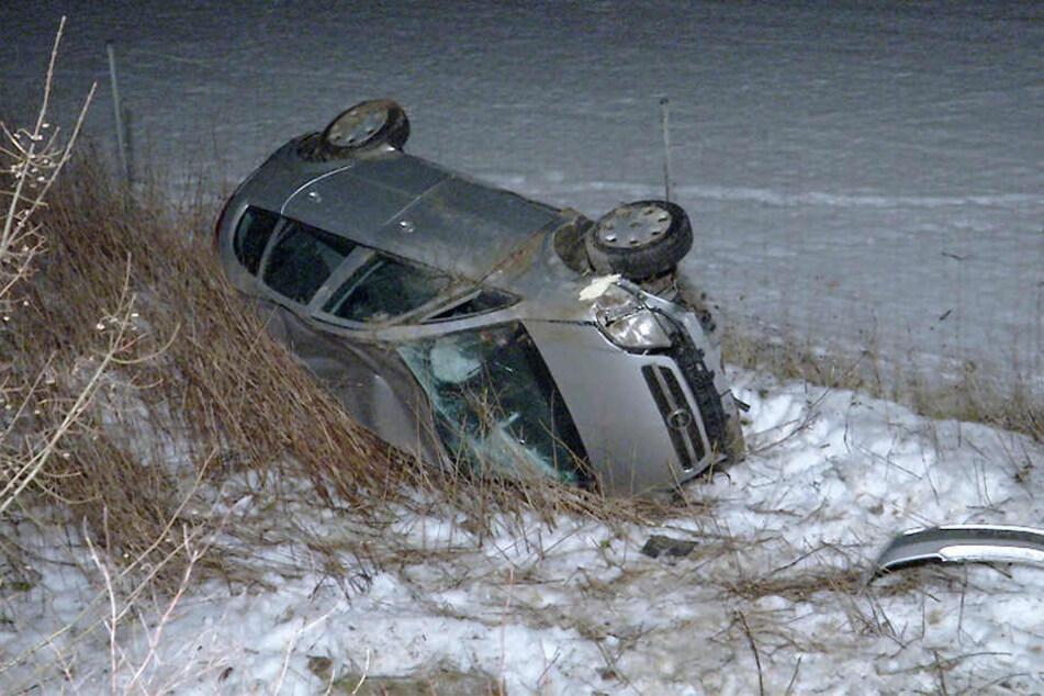 Der Fahrer konnte sich aus seinem Wagen noch selbst befreien.