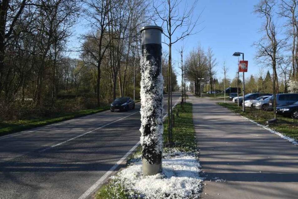 In Saarbrücken wurden zwei Radarfallen geteert und gefedert.