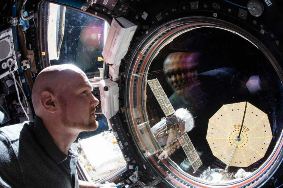 Gerst hat Beweisstücke vom mysteriösen Bohrloch in der Raumkapsel mit zur Erde gebracht.