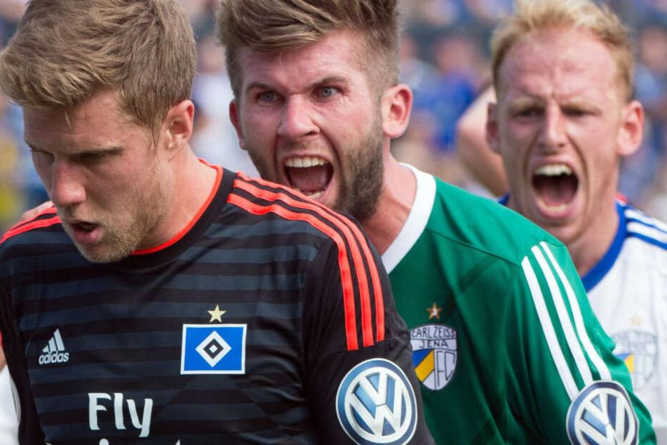 Raphael Koczor (mi.) soll sich mit Jenas Trainer in die Haare bekommen haben.