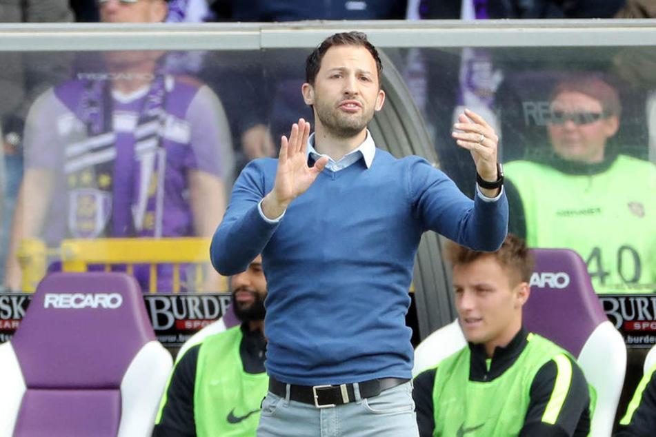 Trainer Dominico Tedesco war nicht mit allem zufrieden, was er von seiner Mannschaft sah.