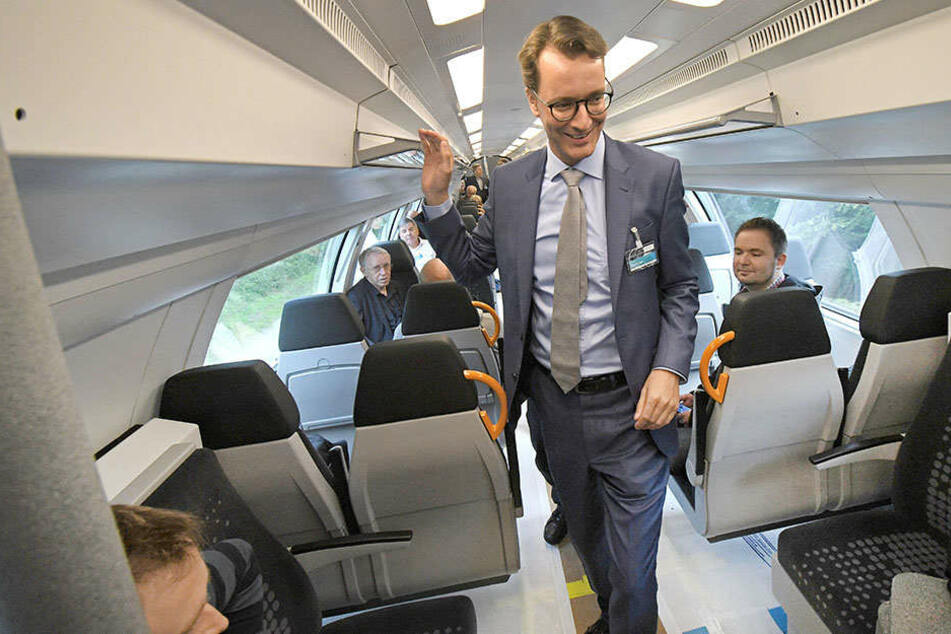 NRW-Verkehrsminister Hendrik Wüst (CDU) will ein Ticket für alles in NRW einführen.