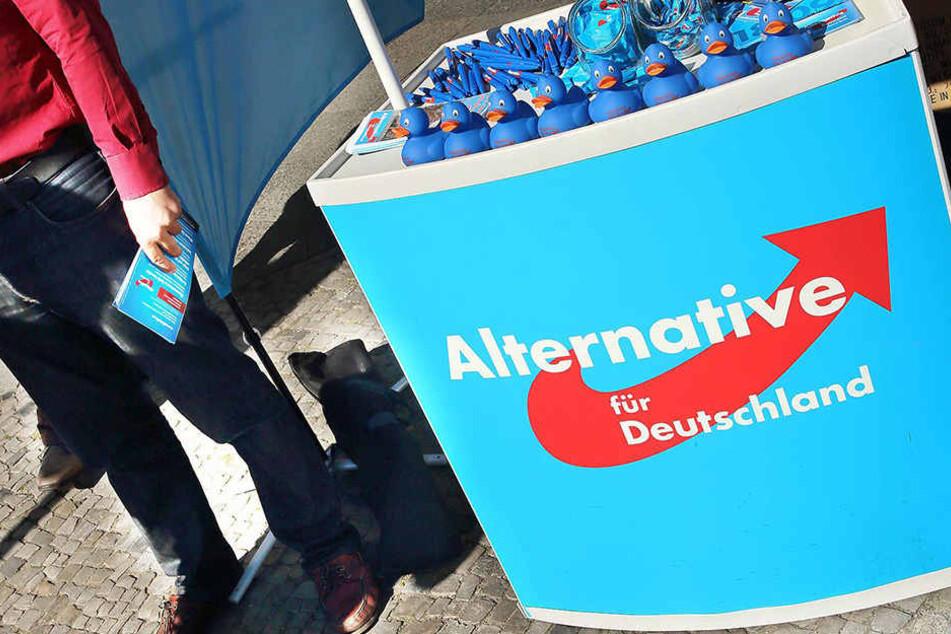 In Ilmenau wurde ein AfD-Mitarbeiter an einem Info-Stand angegriffen.